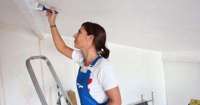 Как побелить потолок своими руками?
