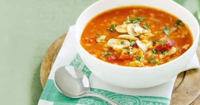 Томатный суп с грибами и чечевицей