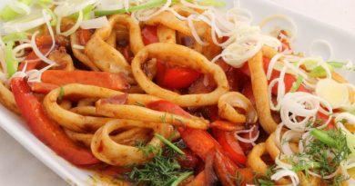 «Кальмары по-вьетнамски» в кисло-сладком соусе