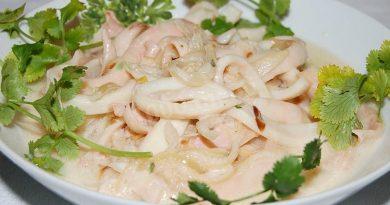 Нежнейший кальмар в сметанном соусе