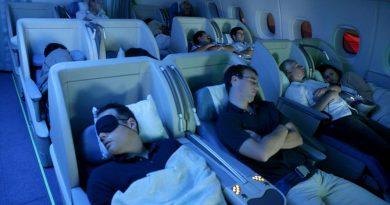 8 советов, как избежать ограбления во время сна в самолете