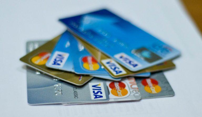 Как пользоваться кредиткой в турпоездке с максимальной выгодой для туриста
