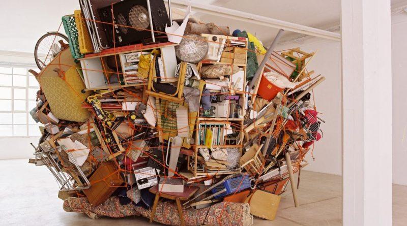 Как организовать хранение временно ненужных вещей?