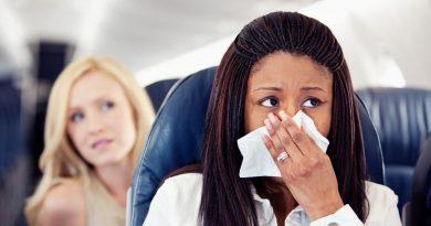 Почему люди плачут в самолетах?