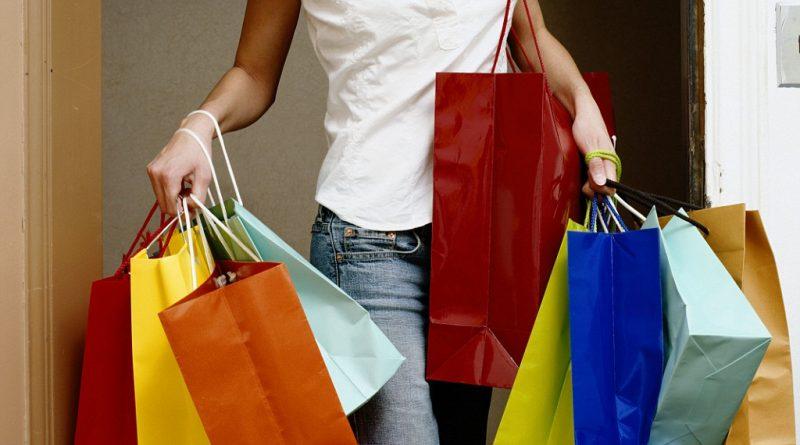 8 самых бесполезных покупок в путешествии