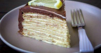 Блинный лимонный пирог в шоколадной глазури