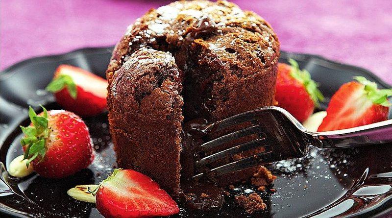 Шоколадный кекс с жидкой серединкой