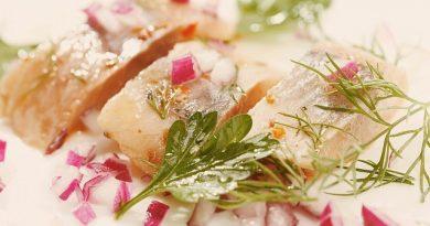 Вкусная и быстрая селедка в маринаде