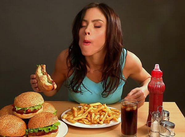 Как не поправляться на «вредной» еде: секреты итальянцев и французов