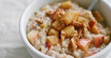 Пшенная каша с яблоками и курагой - прекрасный завтрак для тех, кто на диете!