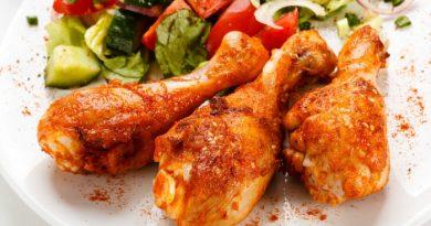 Куриные голени в томате с паприкой