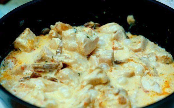 Куриное филе в сырном соусе - быстро и очень вкусно