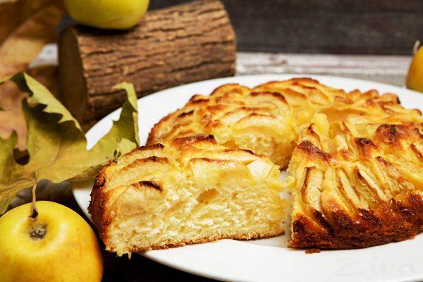 Яблочный пирог с коньяком «Царский»