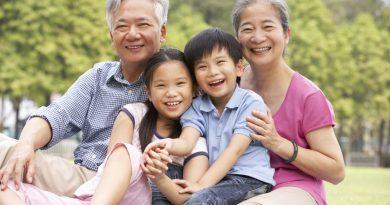 Сидят ли с внуками бабушки в Японии?