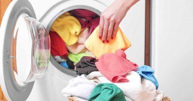 Распространенные ошибки в стирке, которые портят одежду