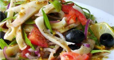 Теплый салат с перцем и картофелем
