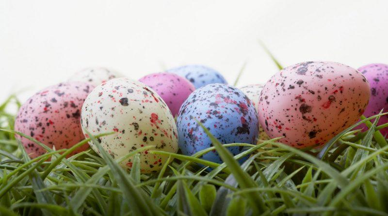 Оригинальные пятнистые яйца