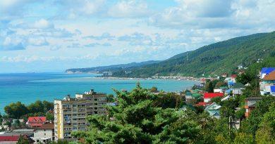 Лазаревское — самый дешевый пляжный отдых в Сочи