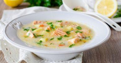 Сырный суп с шпинатом и семгой