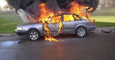 5 причин, по которым машина может загореться во время езды