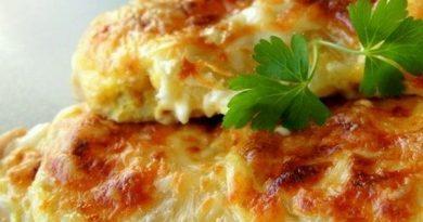Куриная грудка с сыром по-царски.