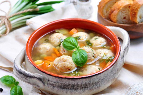 Болгарский суп «Сырные шарики»