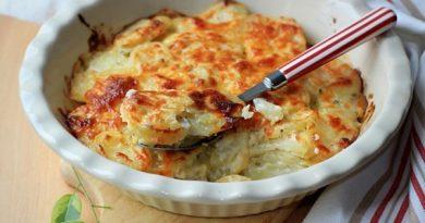Картофельная запеканка с сыром по-французски.