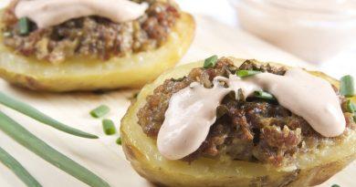 Картофель, фаршированный мясом - универсальный рецепт