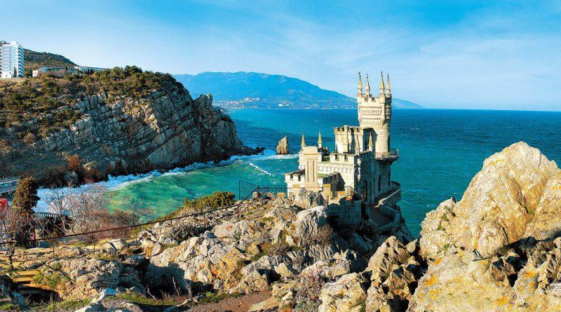 За что любят отдых в Крыму, и какие у него минусы