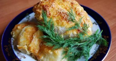 Запеченные куриные грудки с сыром в духовке.