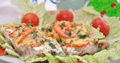 Вкусная рыбка с сыром и помидорами