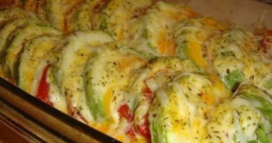 Вкуснейшие кабачки, запеченные с помидорами и сыром