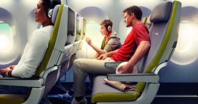 Зачем поднимают спинку кресла в самолете на взлете и перед посадкой