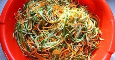 """Салат на зиму """"Огурцы по-корейски с морковью"""""""