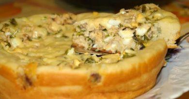 Наливной пирог с зеленью и рыбной консервой