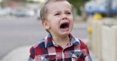 5причин, почему нельзя оставлять детей плачущими