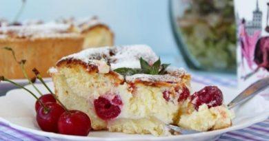 Творожный пирог с вишней,или сливой