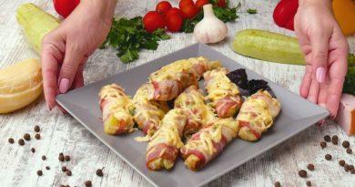 Кабачки в беконе с чесноком и сыром