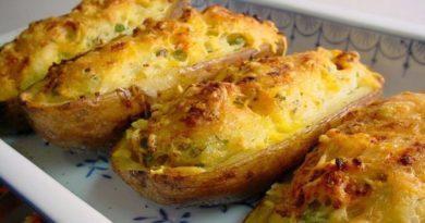 Фаршированный картофель с сыром в духовке