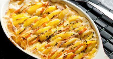 Лосось запеченный с картофелем