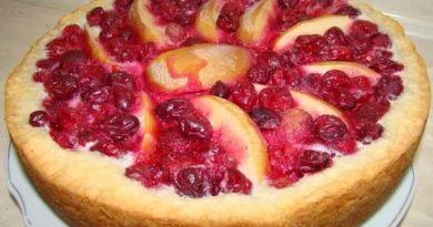 Пирог с фруктами в мультиварке
