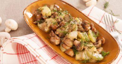 Запеченный картофель с грибами в сливках