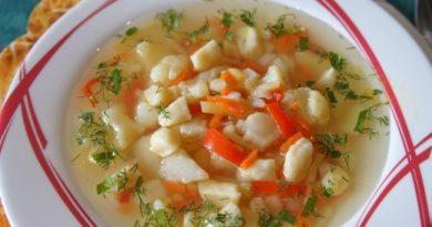 Венгерский суп с цветной капустой и клёцками