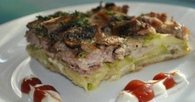 Кабачковый пирог с мясом и грибами