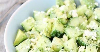 Огуречный салат с авокадо и фетой