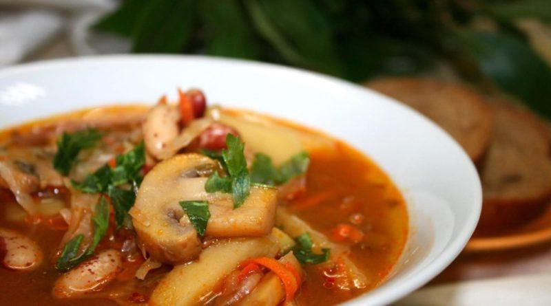 Суп из грибов и фасоли