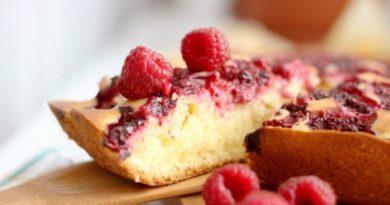 Простой малиновый пирог