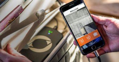 Продается чемодан со встроенным аккумулятором и автономной подзарядкой смартфонов