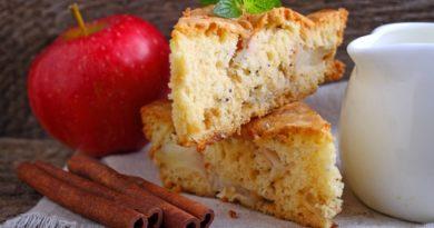 Пирог на кефире с яблоками и грушами