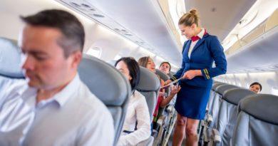 На что стюардессы обращают внимание, когда вы садитесь в самолет